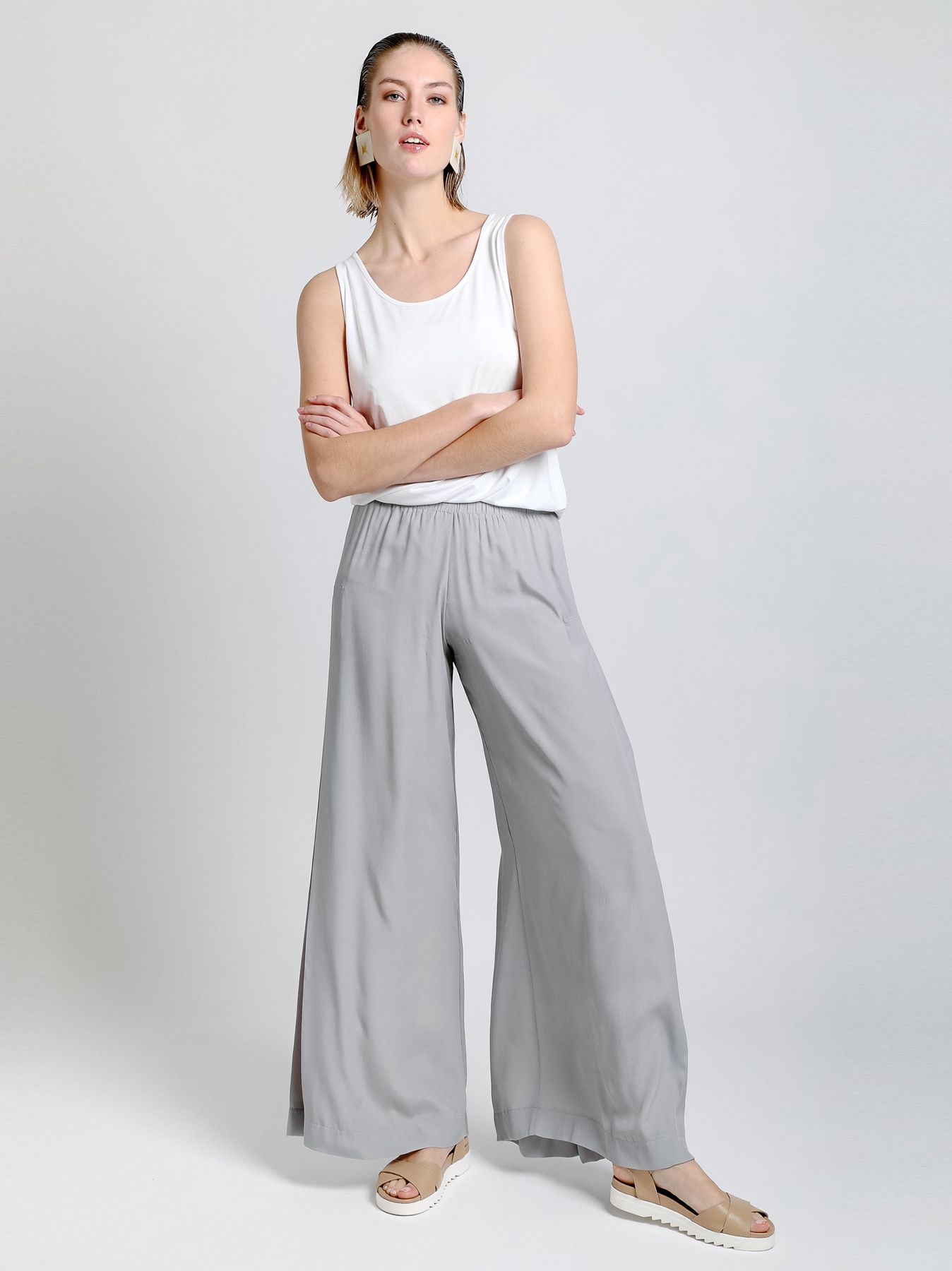 Pantalone con sfondo piega