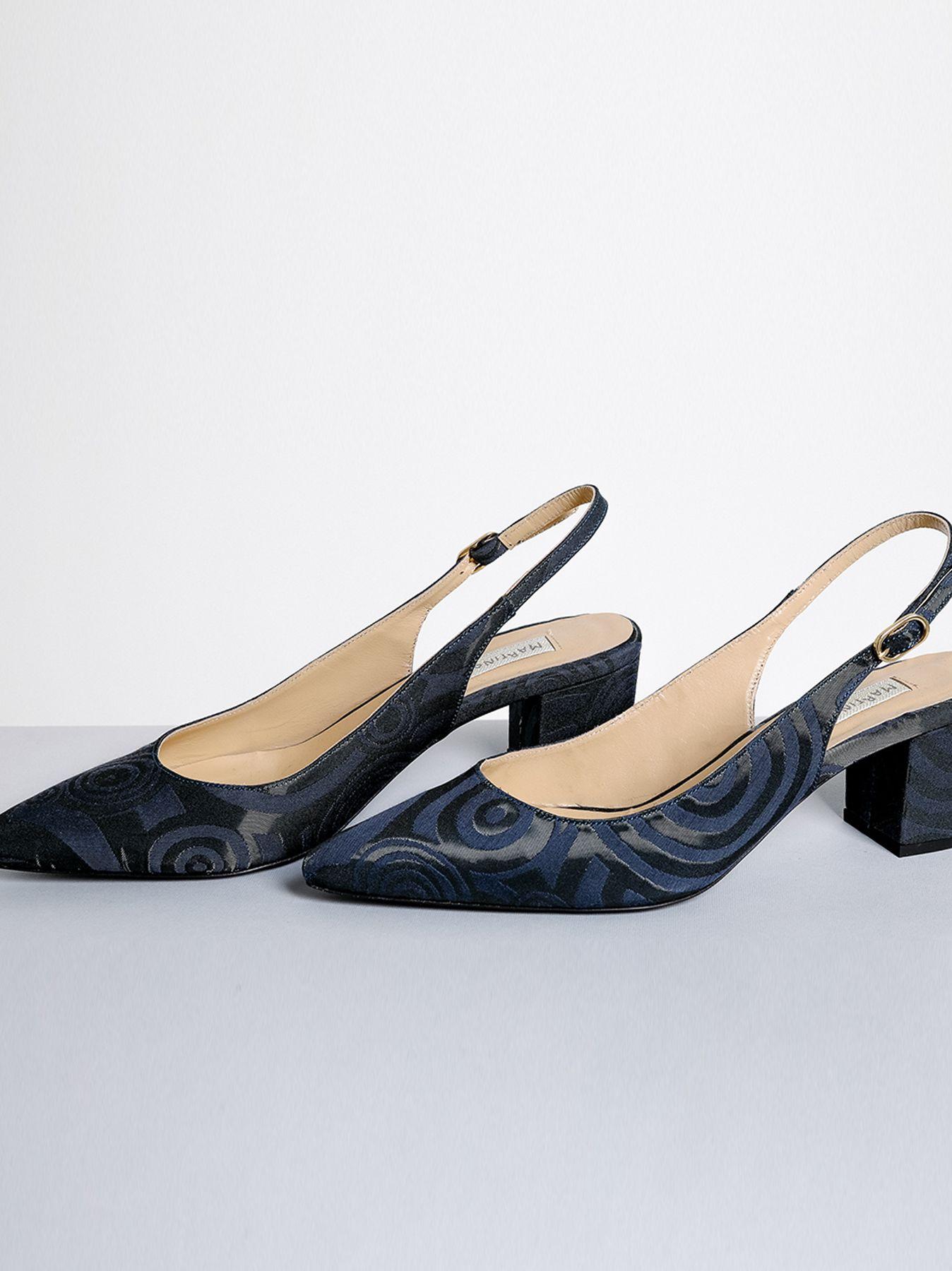 Scarpa modello Chanel con disegno jacquard