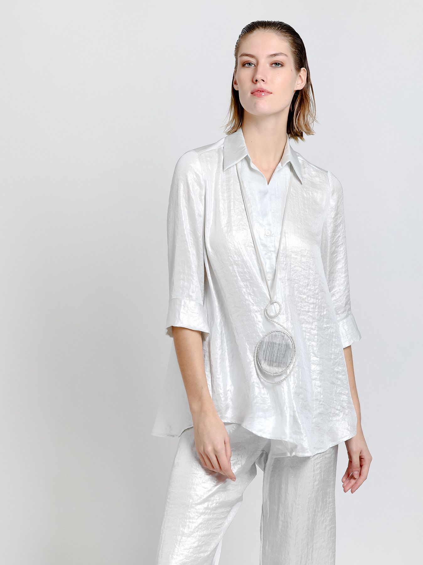 Camicia svasata