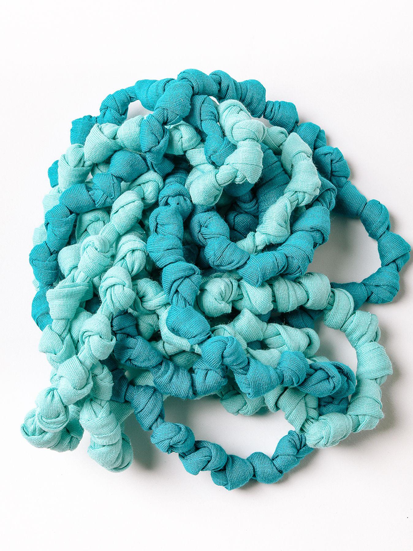 bi-color necklace with knots